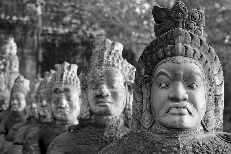 DAY 2: PHNOM PENH – SIEM REAP BY BUS (B/-/-)