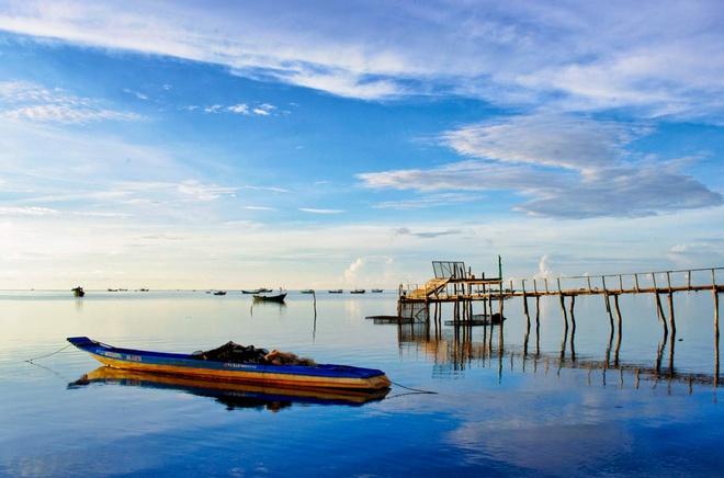 Peaceful and poetic Ham Ninh fishing village